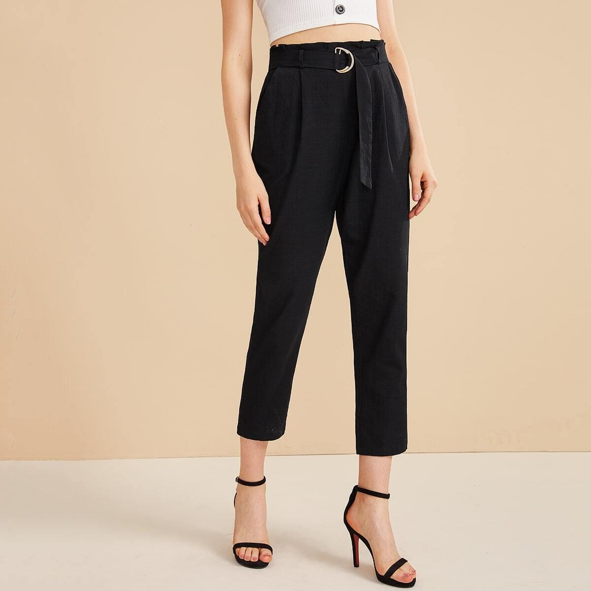 SHEIN / Pantalones cortos con cinturón de cintura con volante