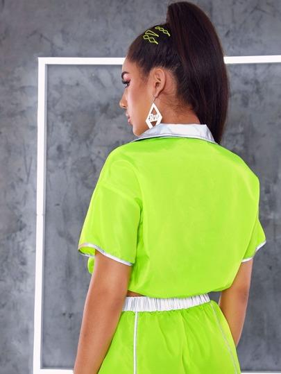 Фото 12 - Трикотажный топ и шорты в клетку с поясом для девочек от SheIn цвет многоцветный