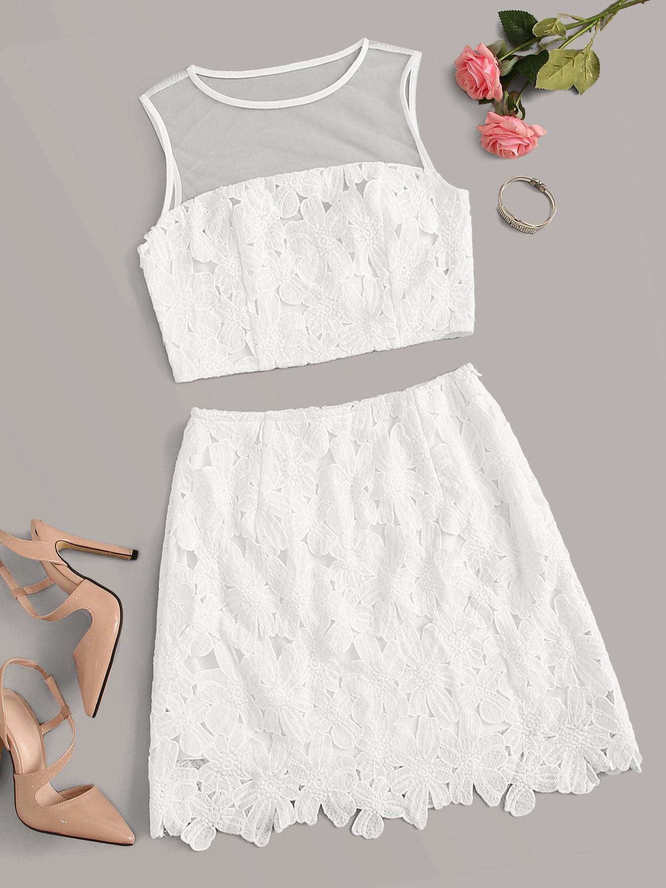 Фото - Кроп топ с кружевной вставкой и юбка от SheIn белого цвета