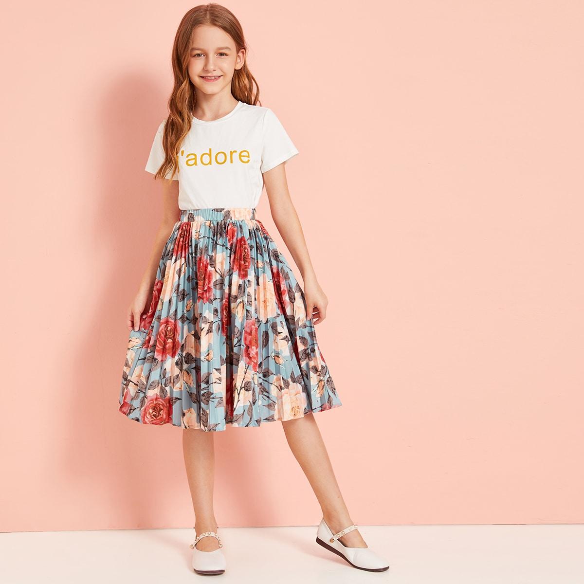 Топ с текстовым принтом и плиссированная юбка с цветочным принтом от SHEIN