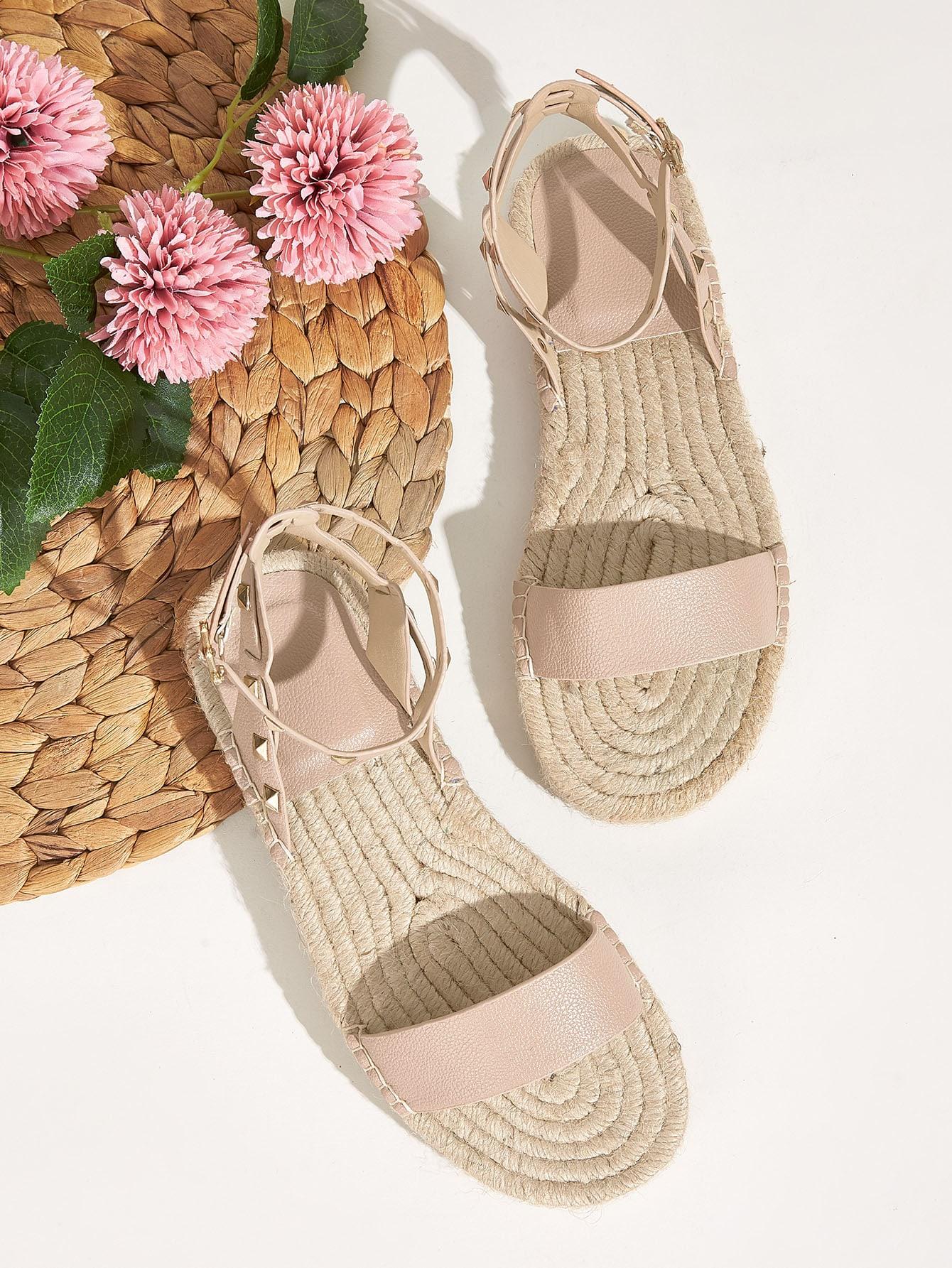 Сандалии эспадрильи с открытым носком и шипами