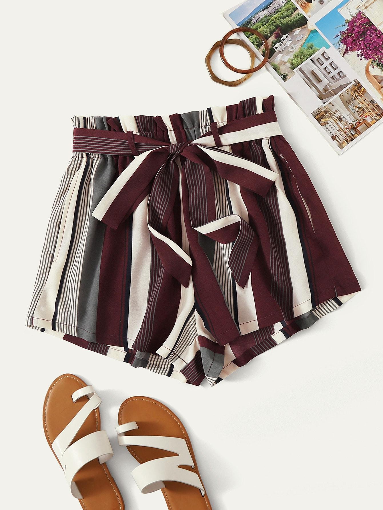 Фото - Полосатые шорты с присборенной талией от SheIn цвет многоцветный