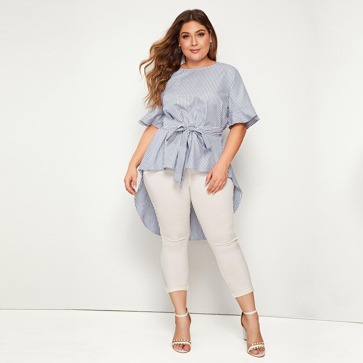 Асимметричная блуза в полоску с поясом размера плюс