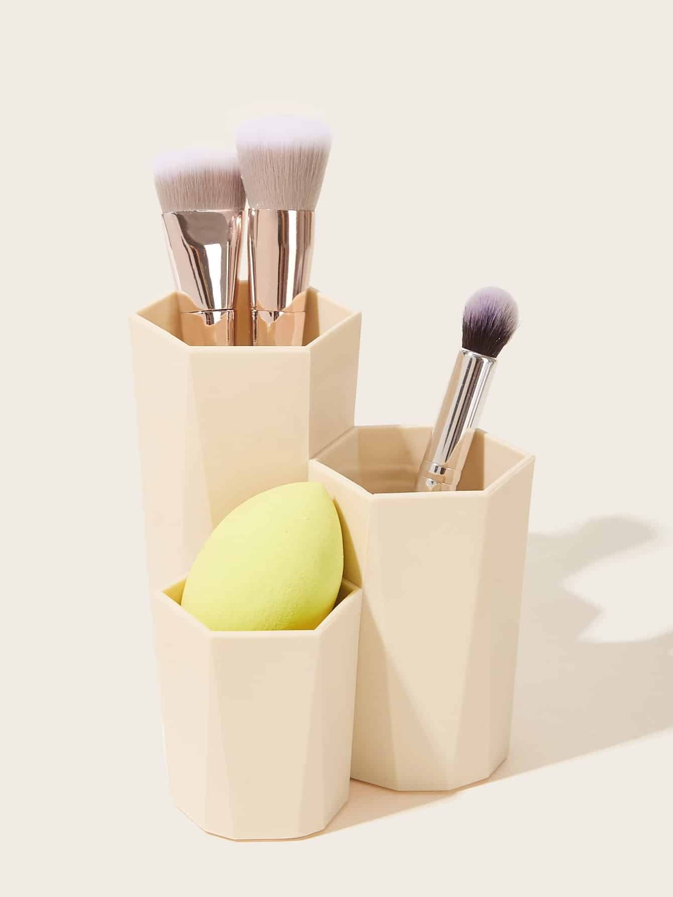 La Combinación De Pincel De Maquillaje Cubo