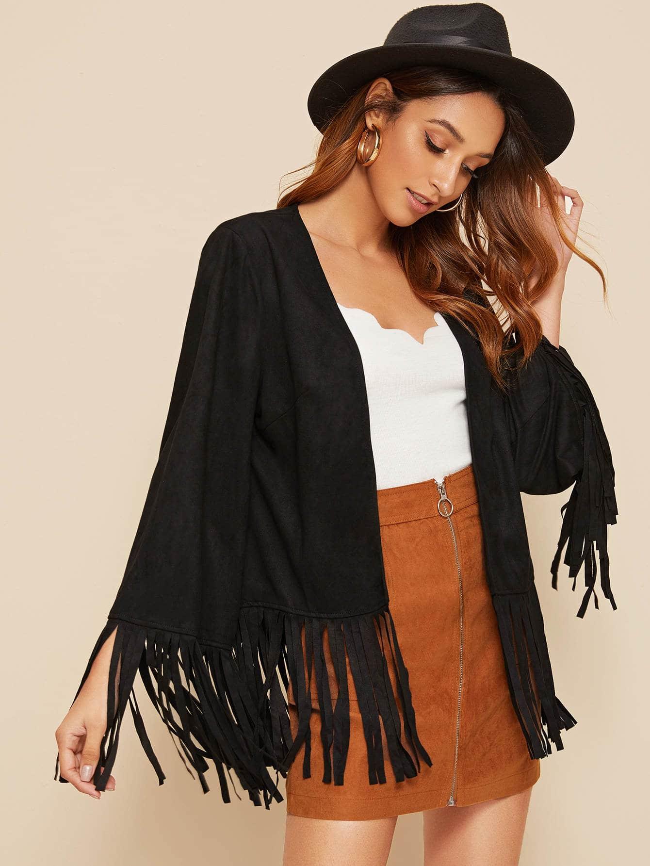 Замшевое пальто с бахромой