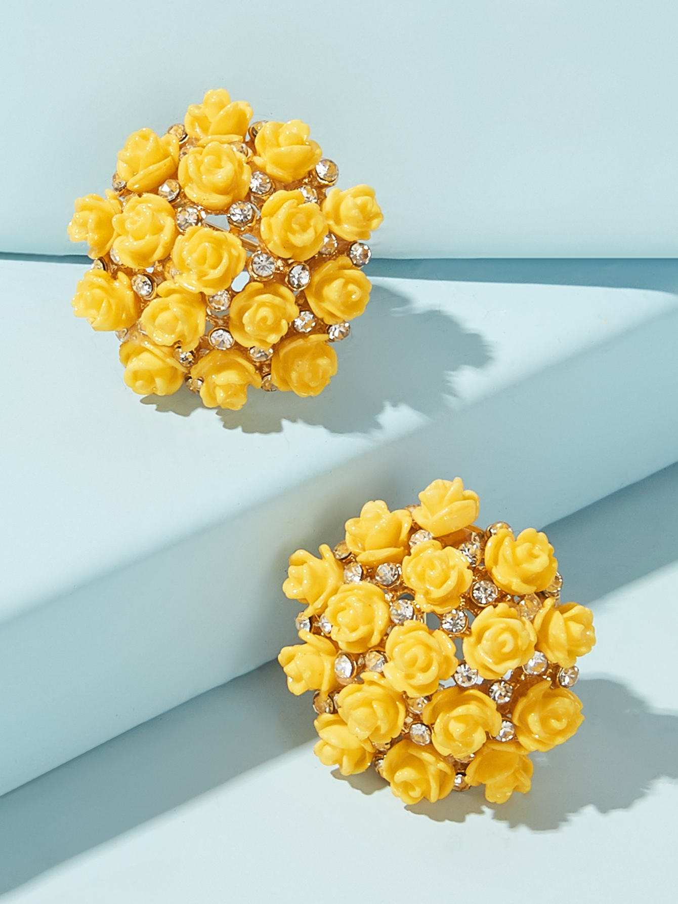 Strass Décor de bouquet de Fleurs Boucles d'oreilles 1 paire