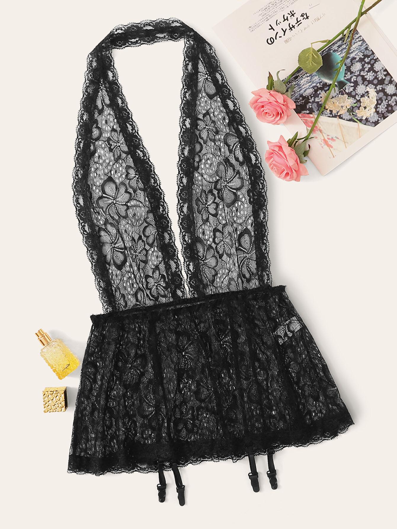Кружевное платье с глубоким вырезом и подвязки