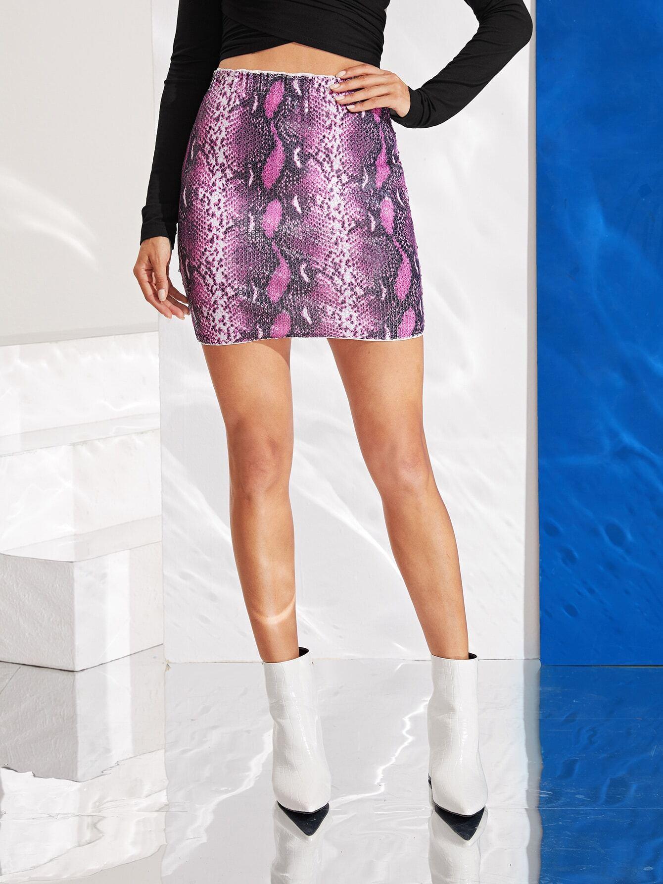 Облегающая юбка с змеиным принтом и блестками