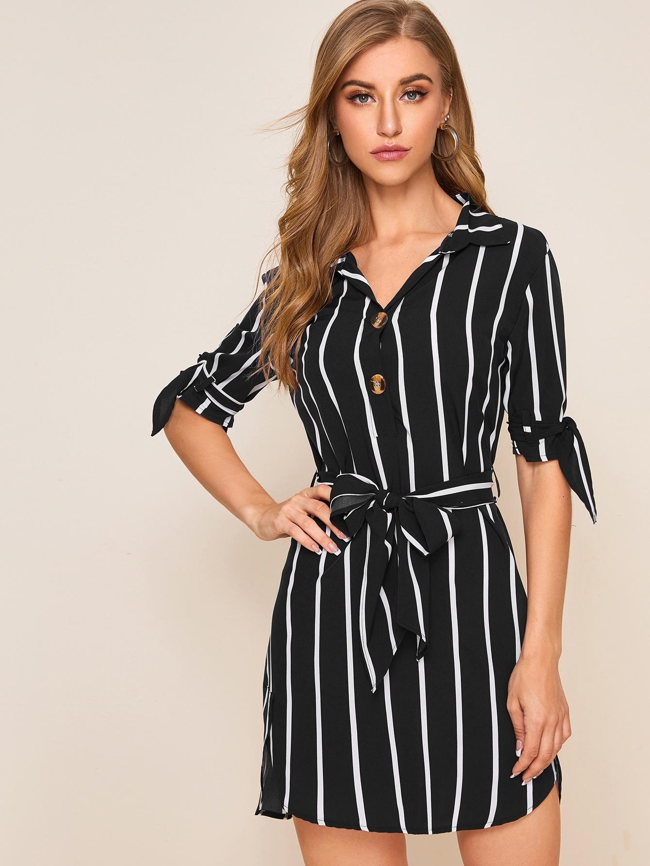 Асимметричное платье-рубашка в полоску с поясом