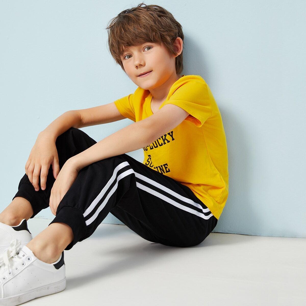 Спортивные брюки с полосатой лентой сбоку для мальчиков от SHEIN