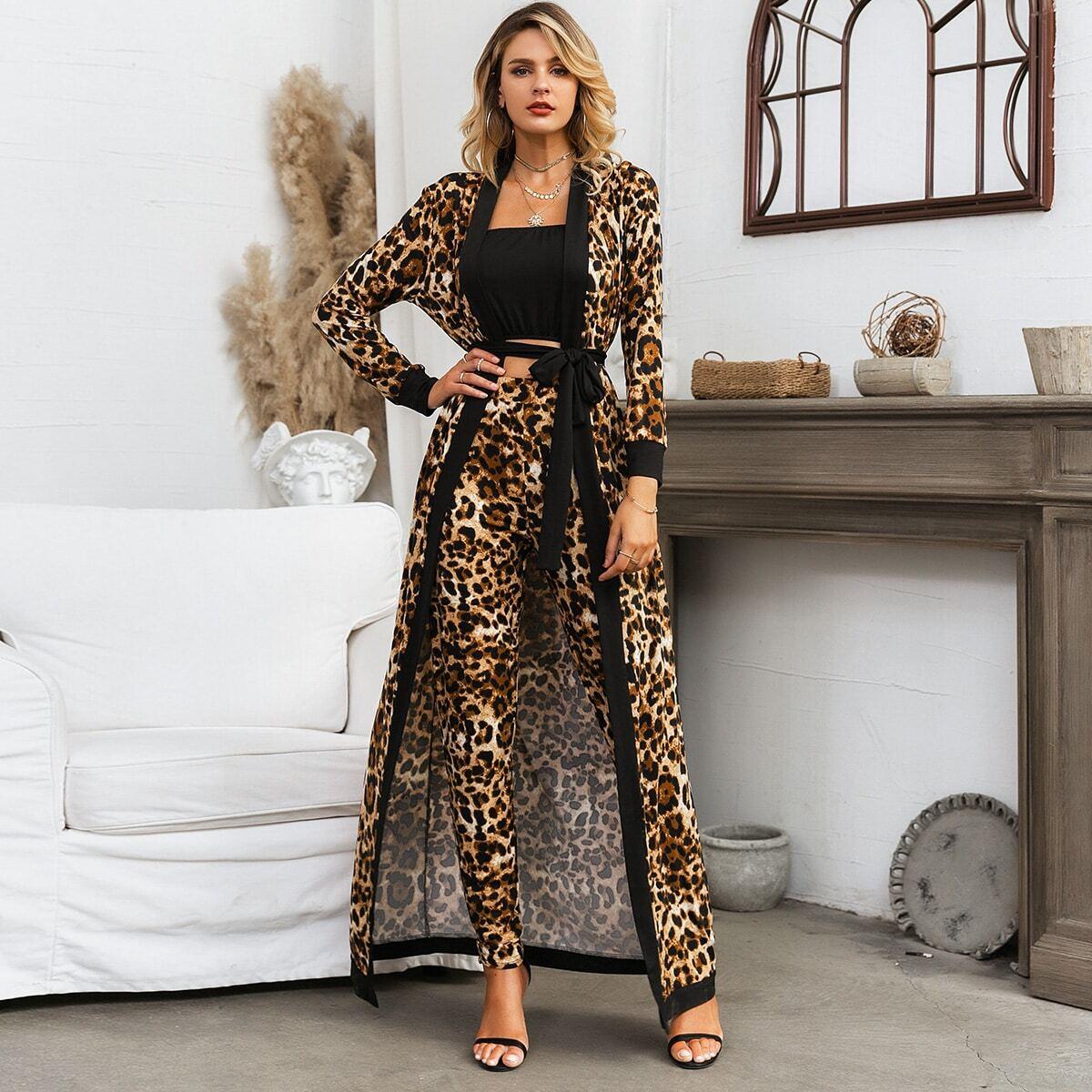 Glamaker топ без бретелек, леопардовые брюки и пальто с поясом от SHEIN