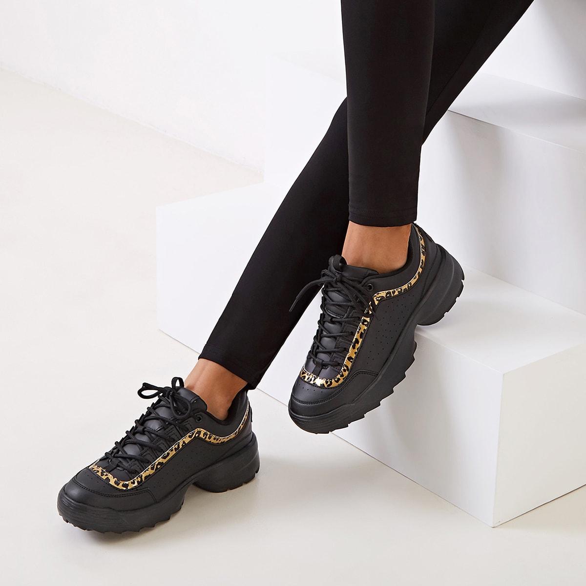 Кроссовки с леопардовым принтом на платформе и шнурках от SHEIN