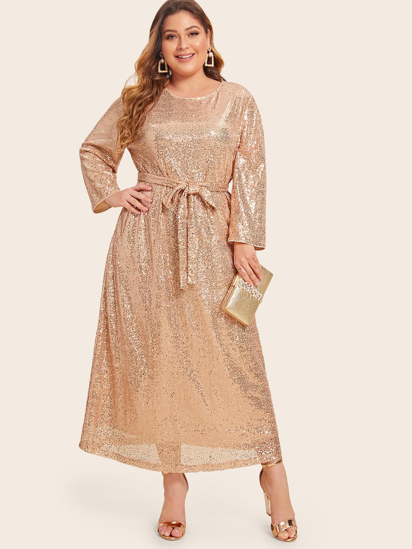 Платье размера плюс с блестками и поясом