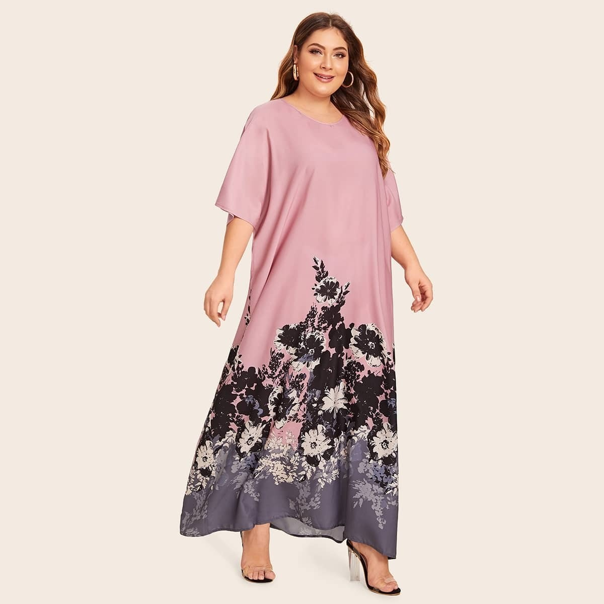 Цветочное платье размера плюс с оригинальными рукавами
