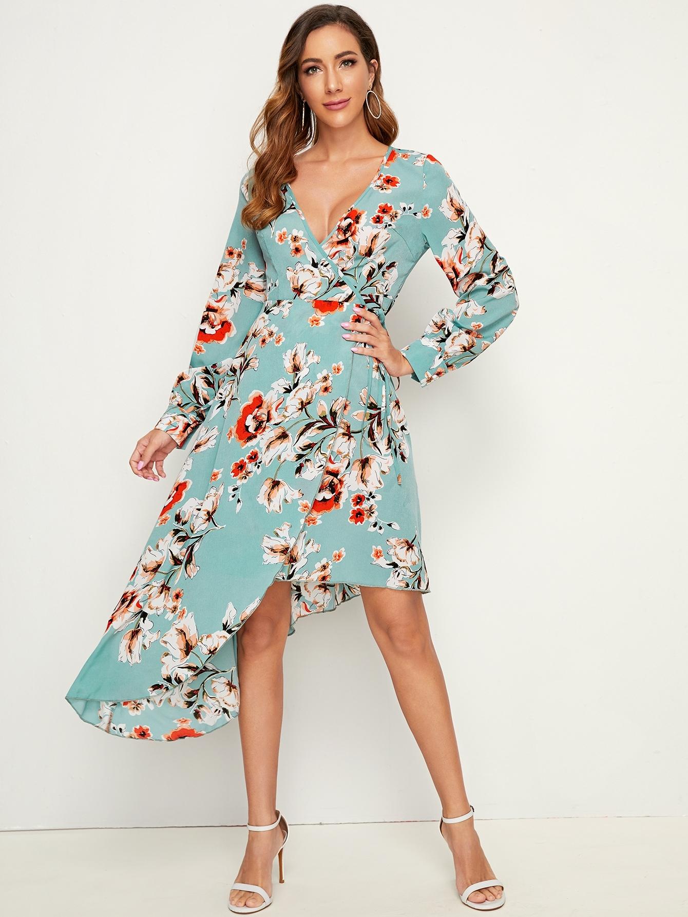 Расклешенное асимметричное платье с цветочным принтом