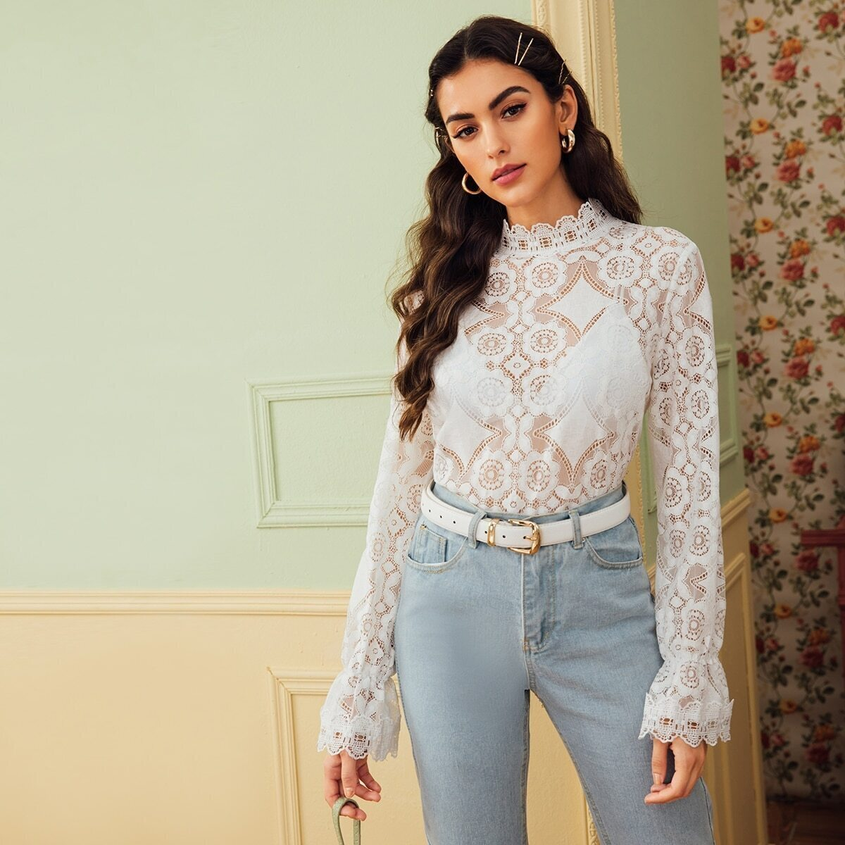 SHEIN / Bluse mit Schößchen auf den Ärmeln und Spitzen
