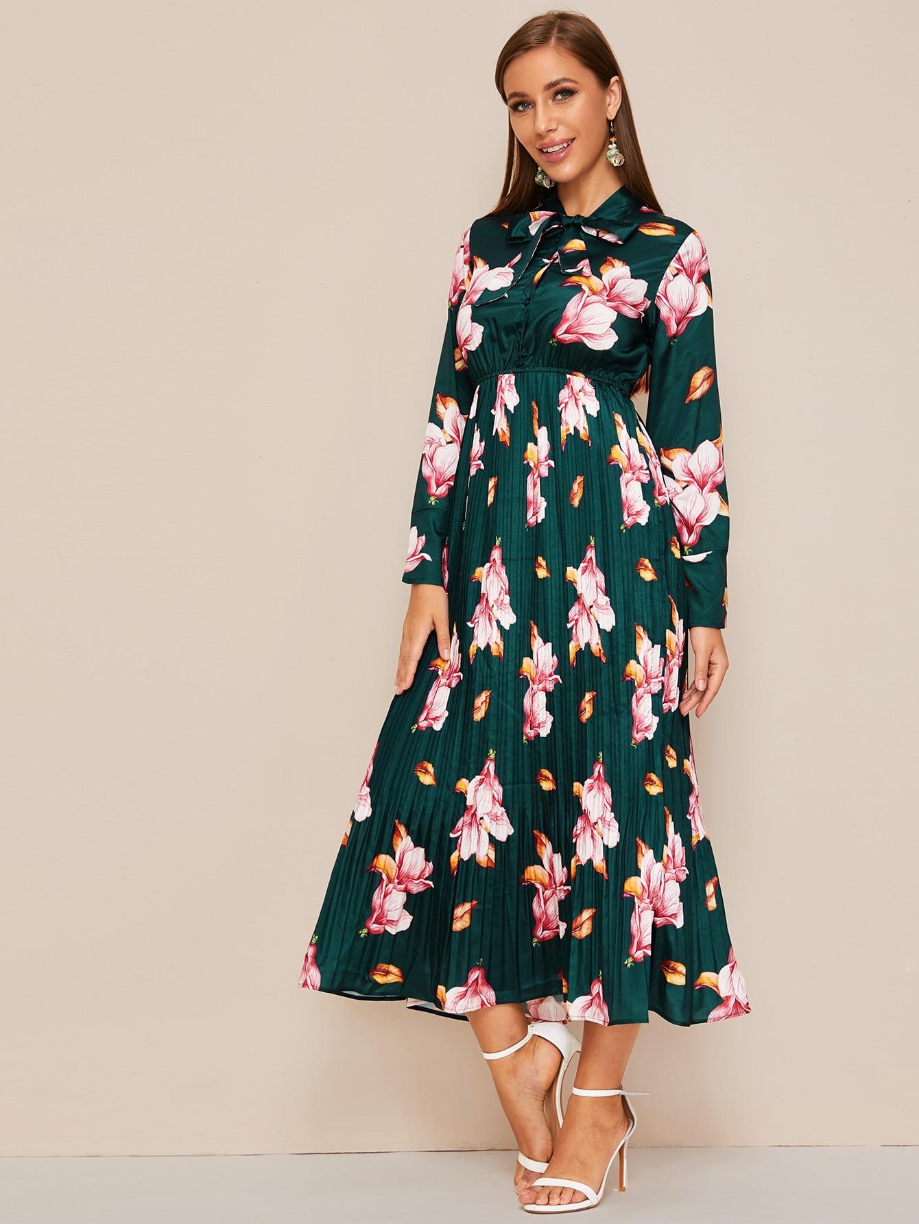 Плиссированное платье с воротником-бантом и цветочным принтом