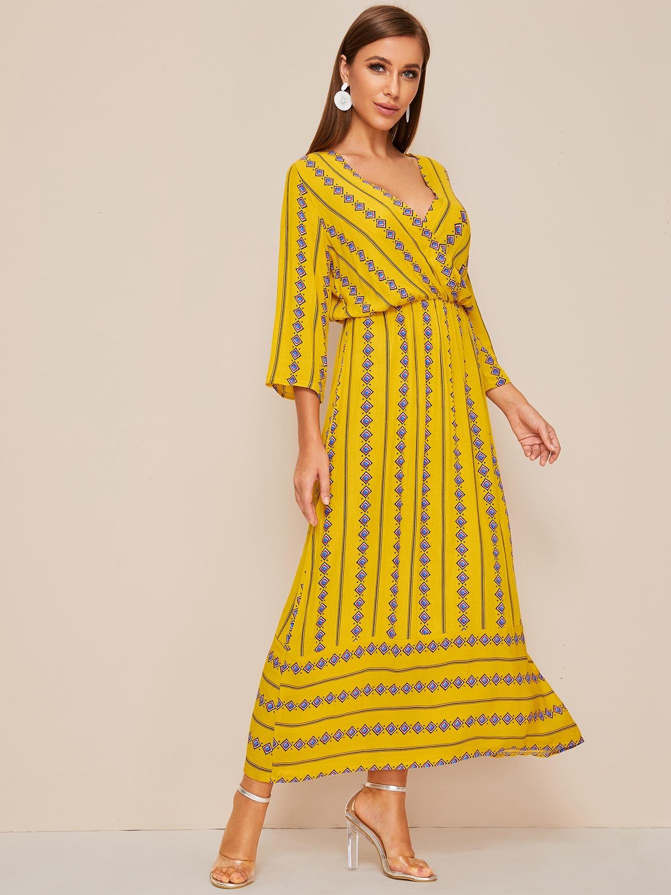 Расклешенное платье с племенным принтом