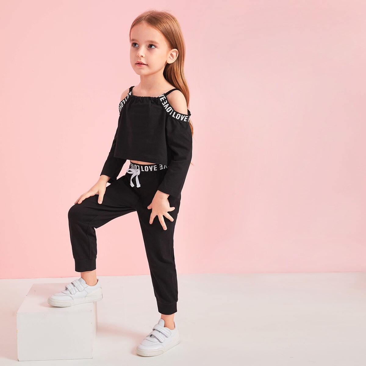Спортивные брюки и футболка с открытыми плечами и текстовой лентой для девочек от SHEIN