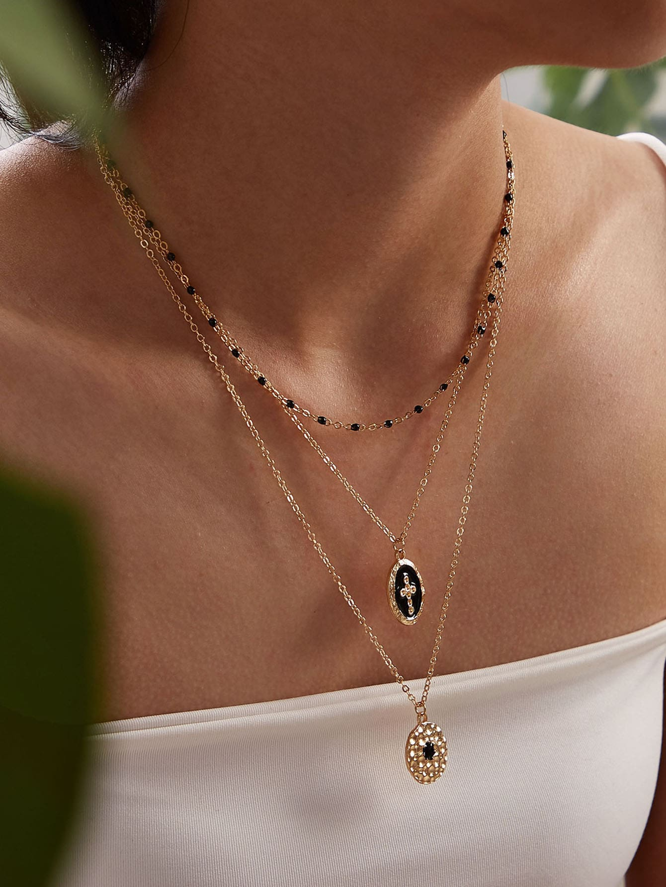 Cross Engraved Geometric Charm Layered Necklace 1pc