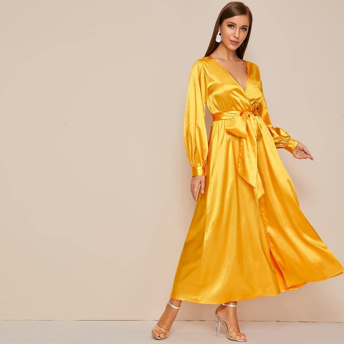 SHEIN / Kleid mit Gürtel und Schlitz