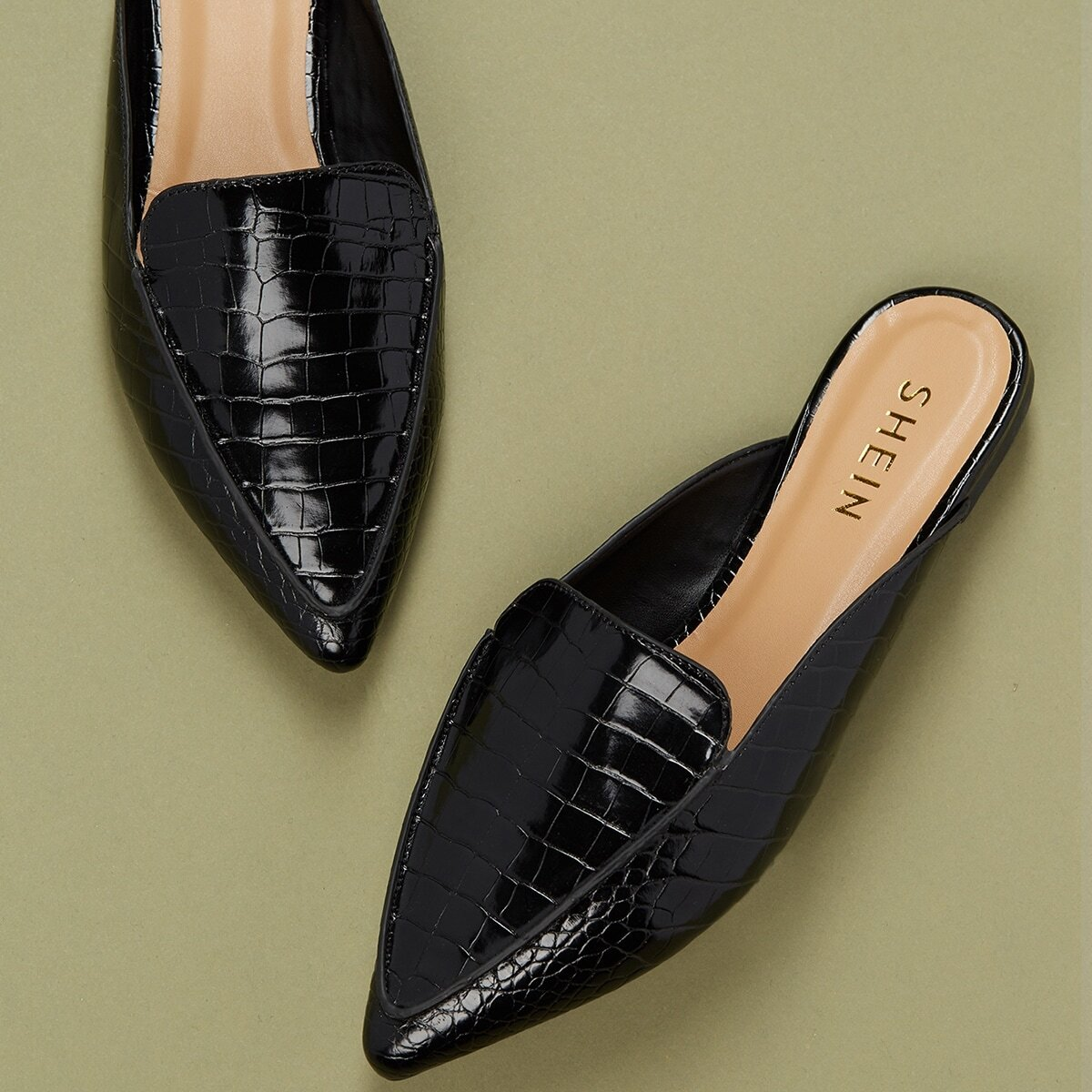 SHEIN / Loafers Pantoffeln mit spitzer Zehenpartie und Krokodil Prägung
