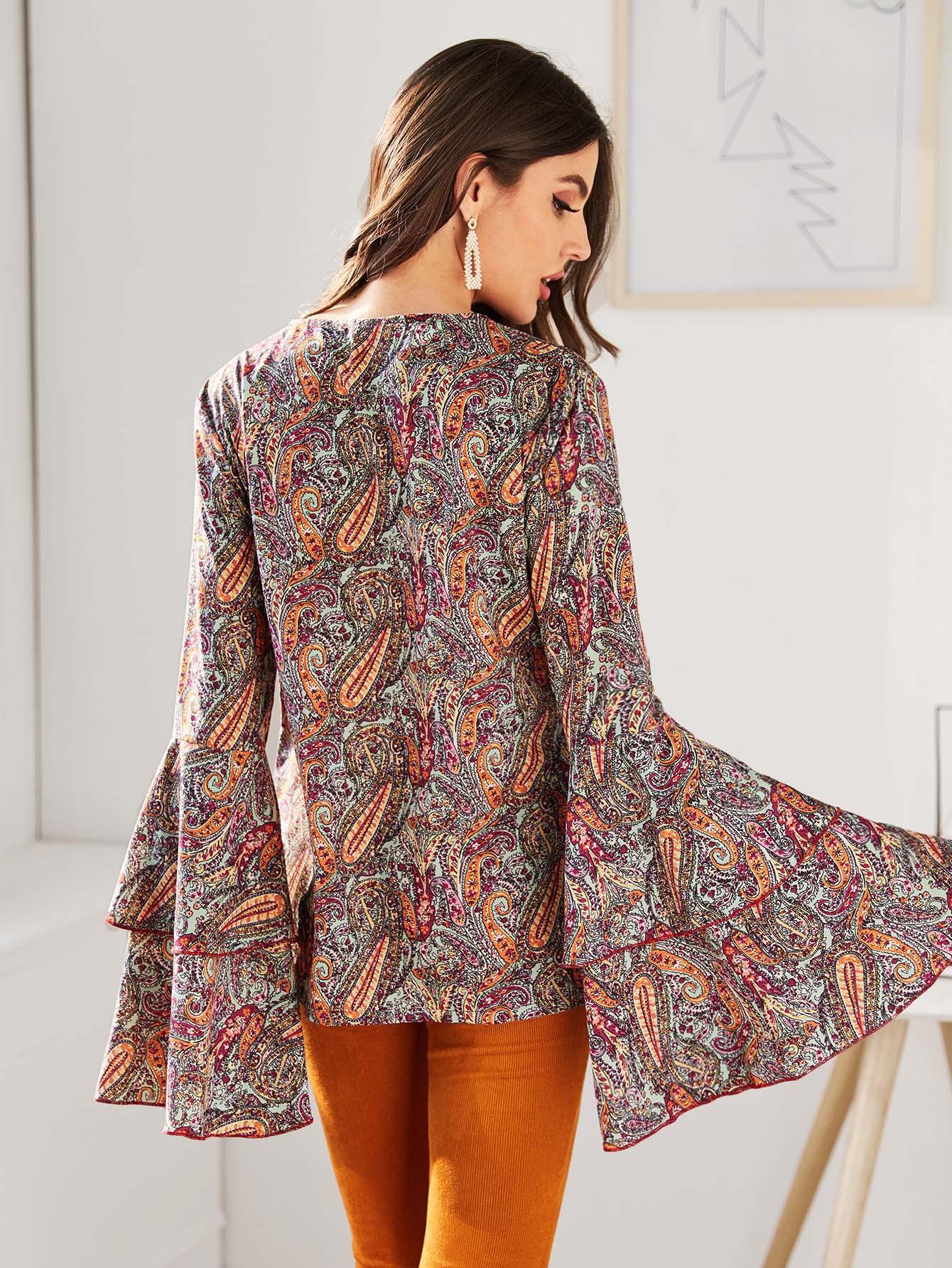 SHEIN / Camisa de manga mariposa con botón con estampado de paisley