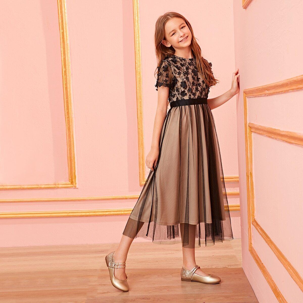 SHEIN / Mädchen Kleid mit 3D Applikation und Netzstoff Überlagerung