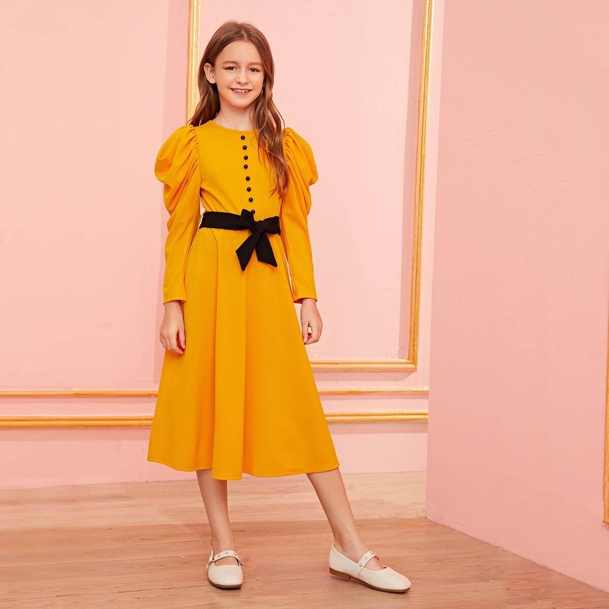 Платье с пышными рукавами и поясом для девочек от SHEIN