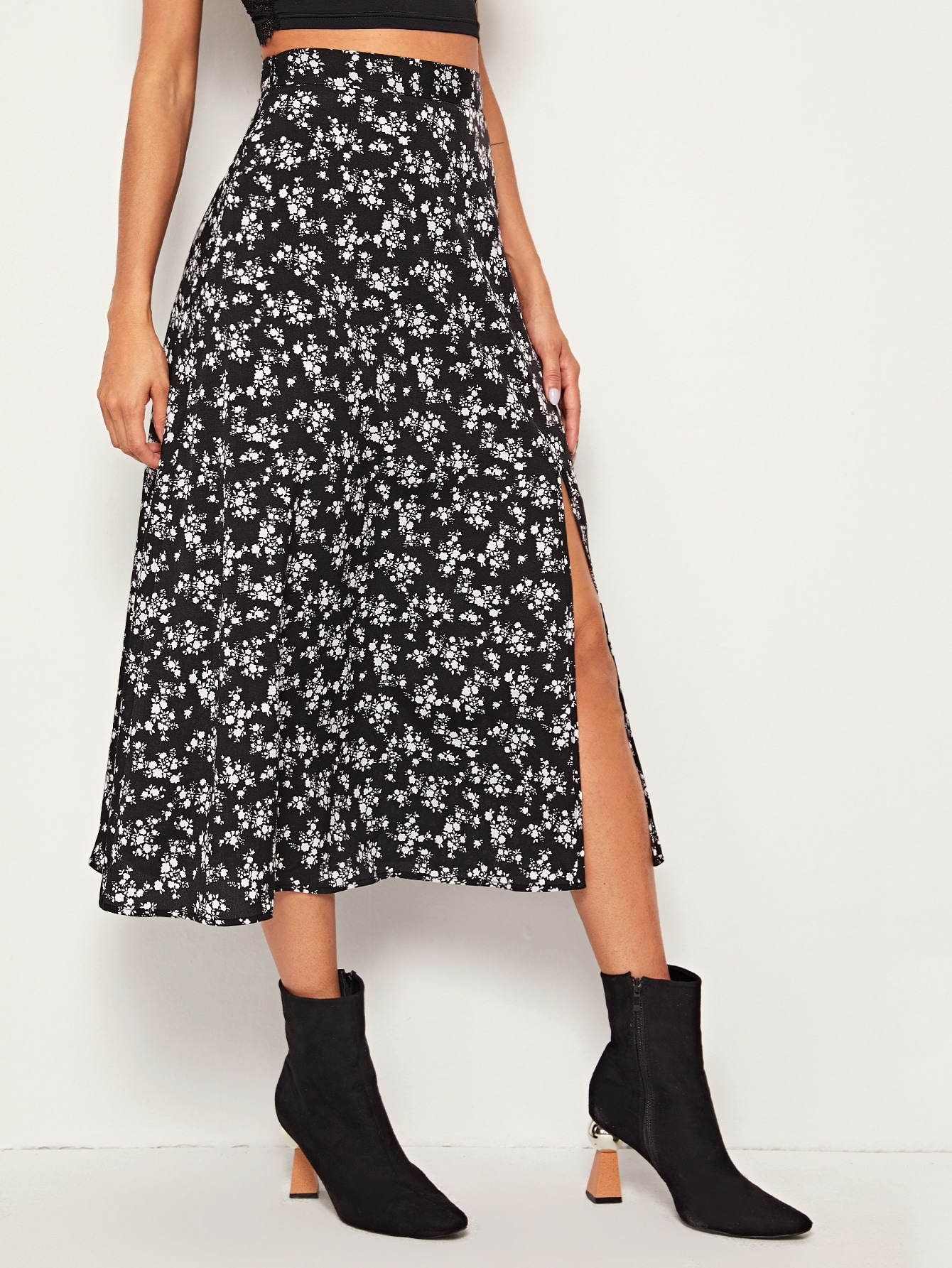 SHEIN / Falda con abertura alta de cintura con banda ancha con estampado floral de margarita