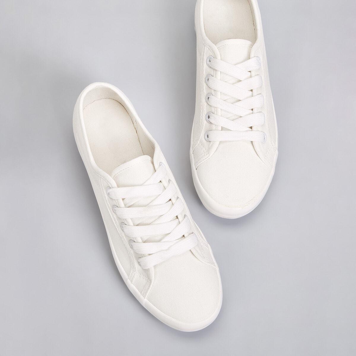 Однотонные кроссовки на шнурках от SHEIN