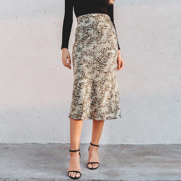 Simplee Zip Side Leopard Satin Skirt