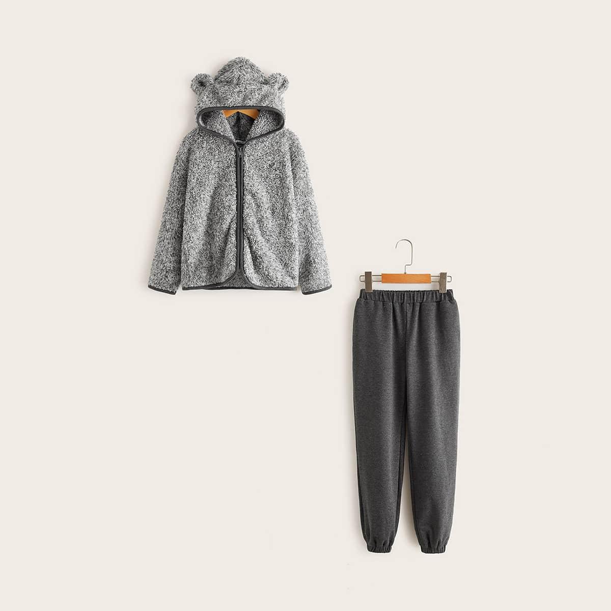 Пушистая куртка с оригинальной отделкой и спортивные брюки для девочек от SHEIN