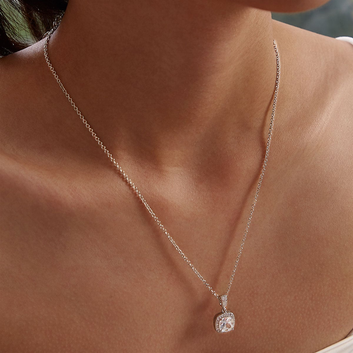 Ожерелье со стразами 1шт фото