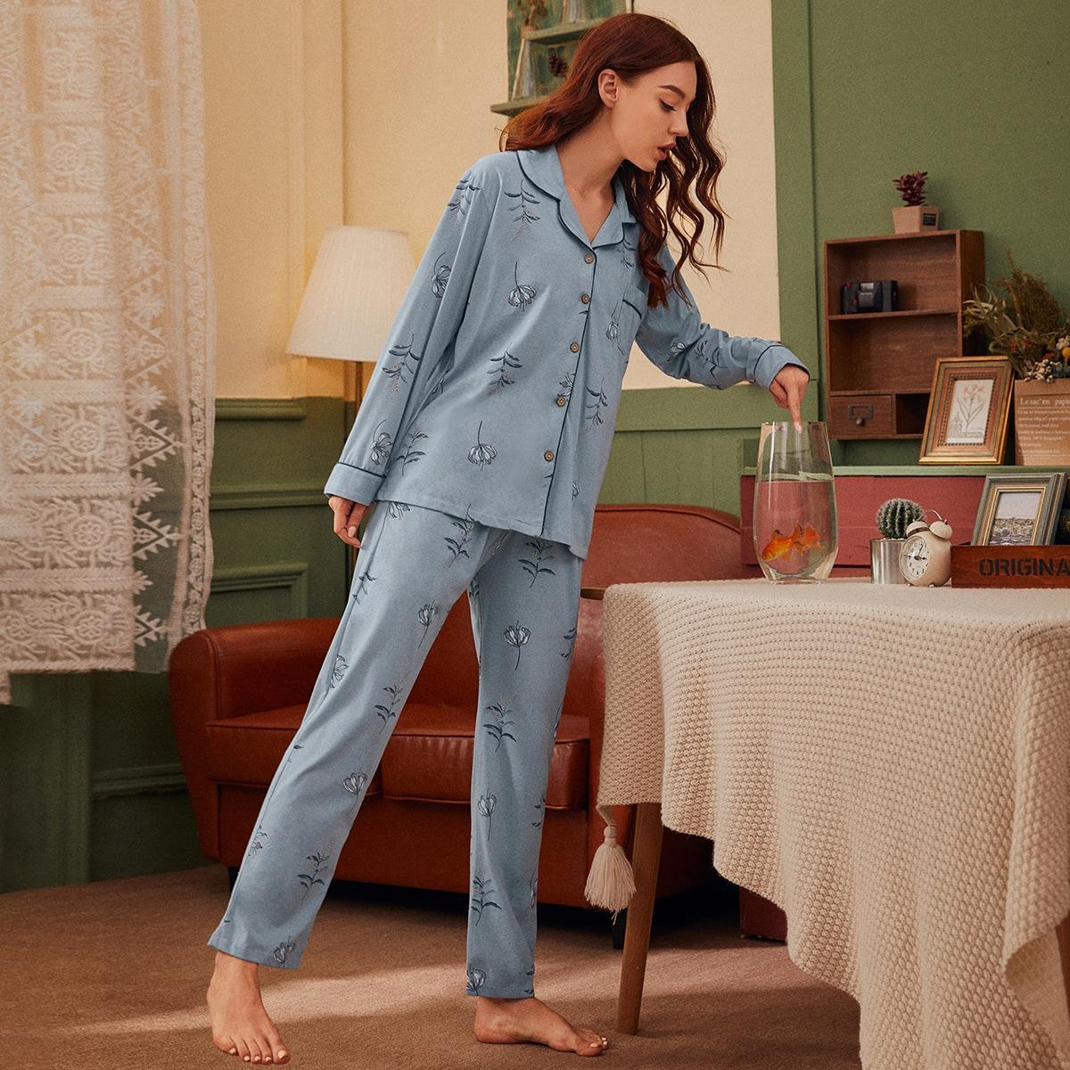 Пижама с пуговицами и цветочным принтом от SHEIN