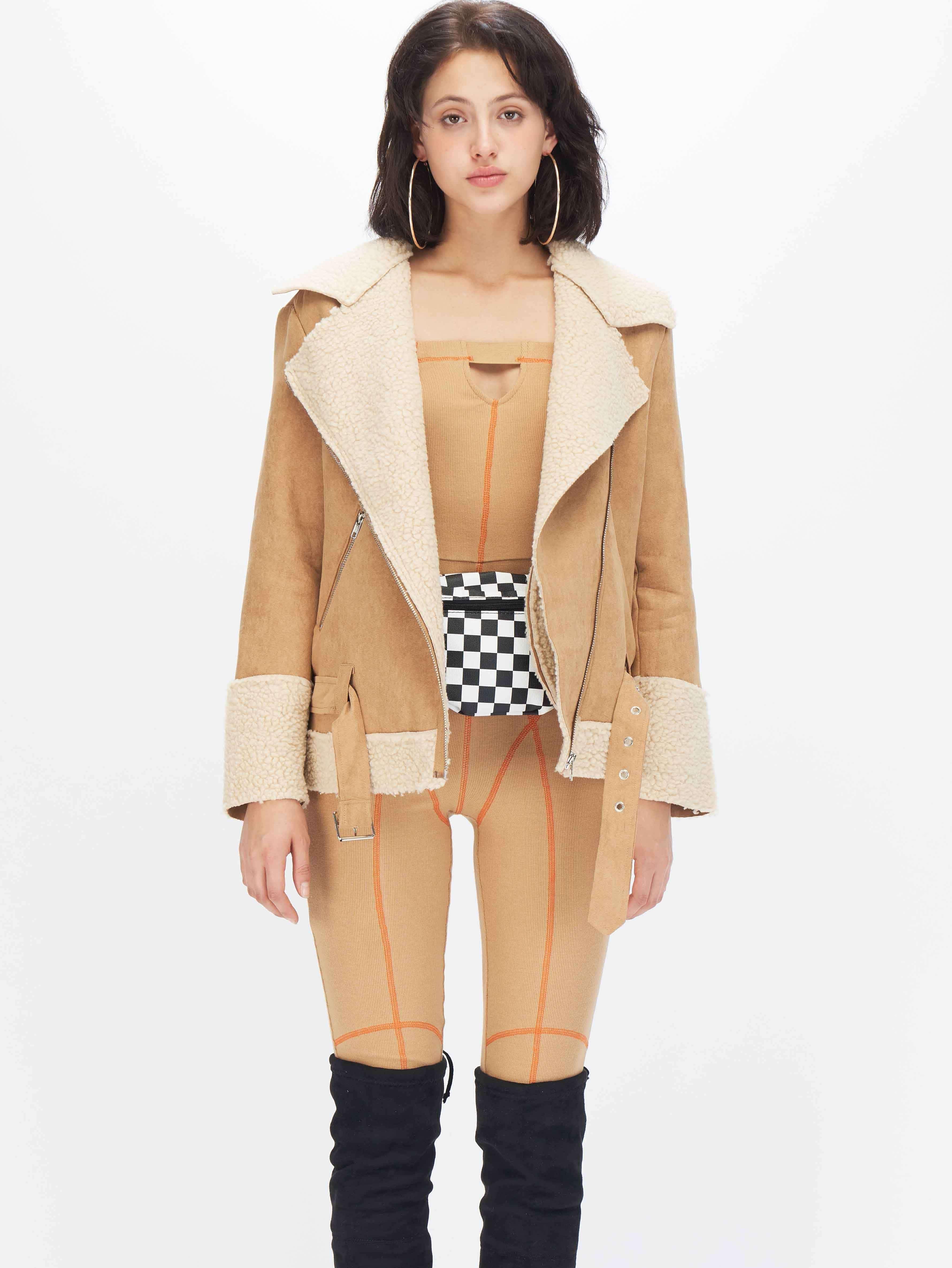 Замшевое пальто на молнии с поясом