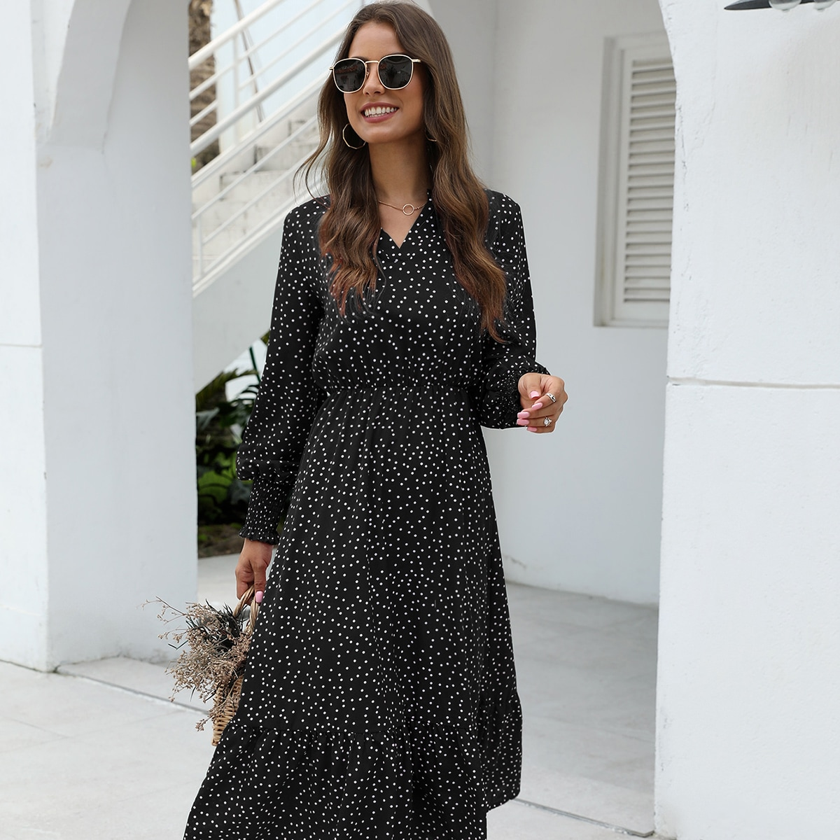 Стильное платье в горошек Image