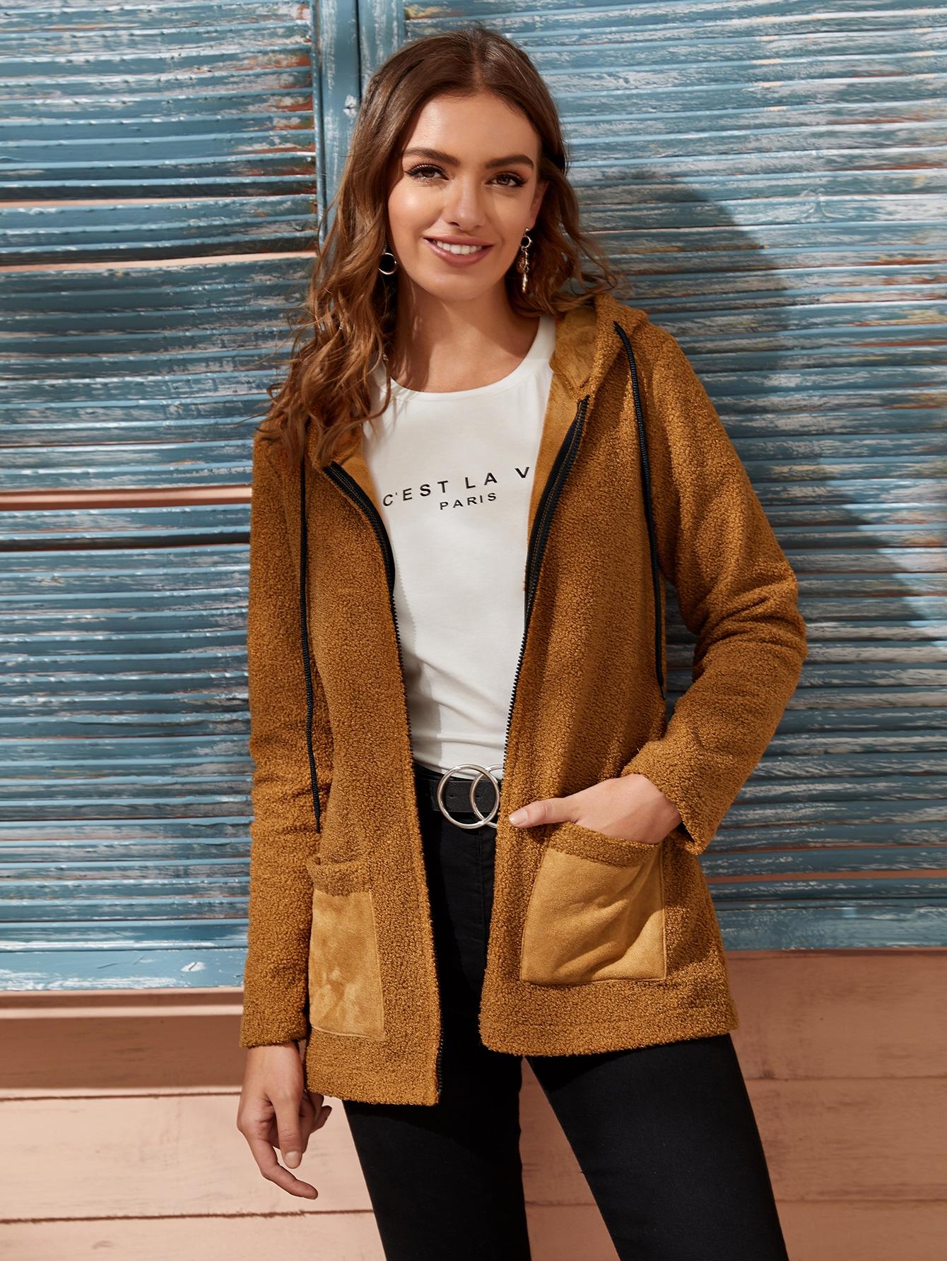 Контрастное замшевое плюшевое пальто с капюшоном