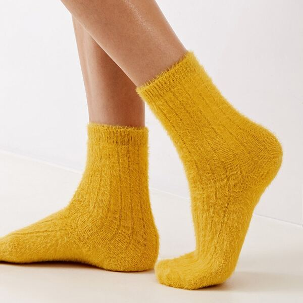 1pair Simple Solid Fluffy Socks, Yellow
