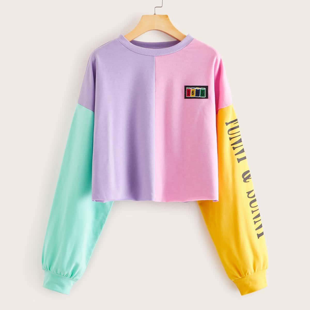Контрастный пуловер с текстовым принтом
