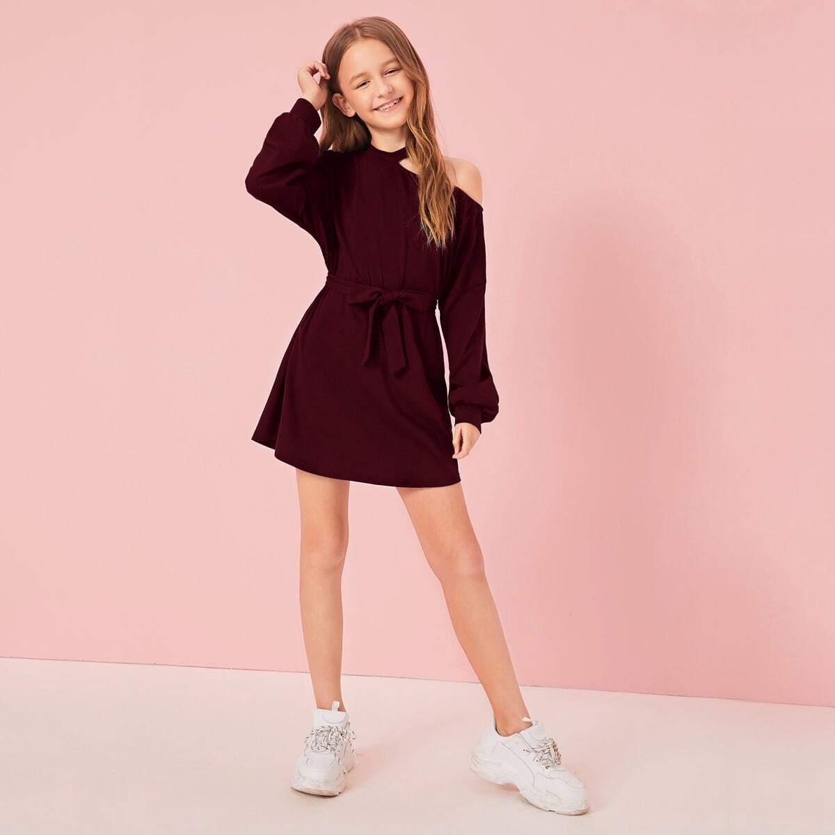 Платье с поясом и асимметричным вырезом для девочек от SHEIN