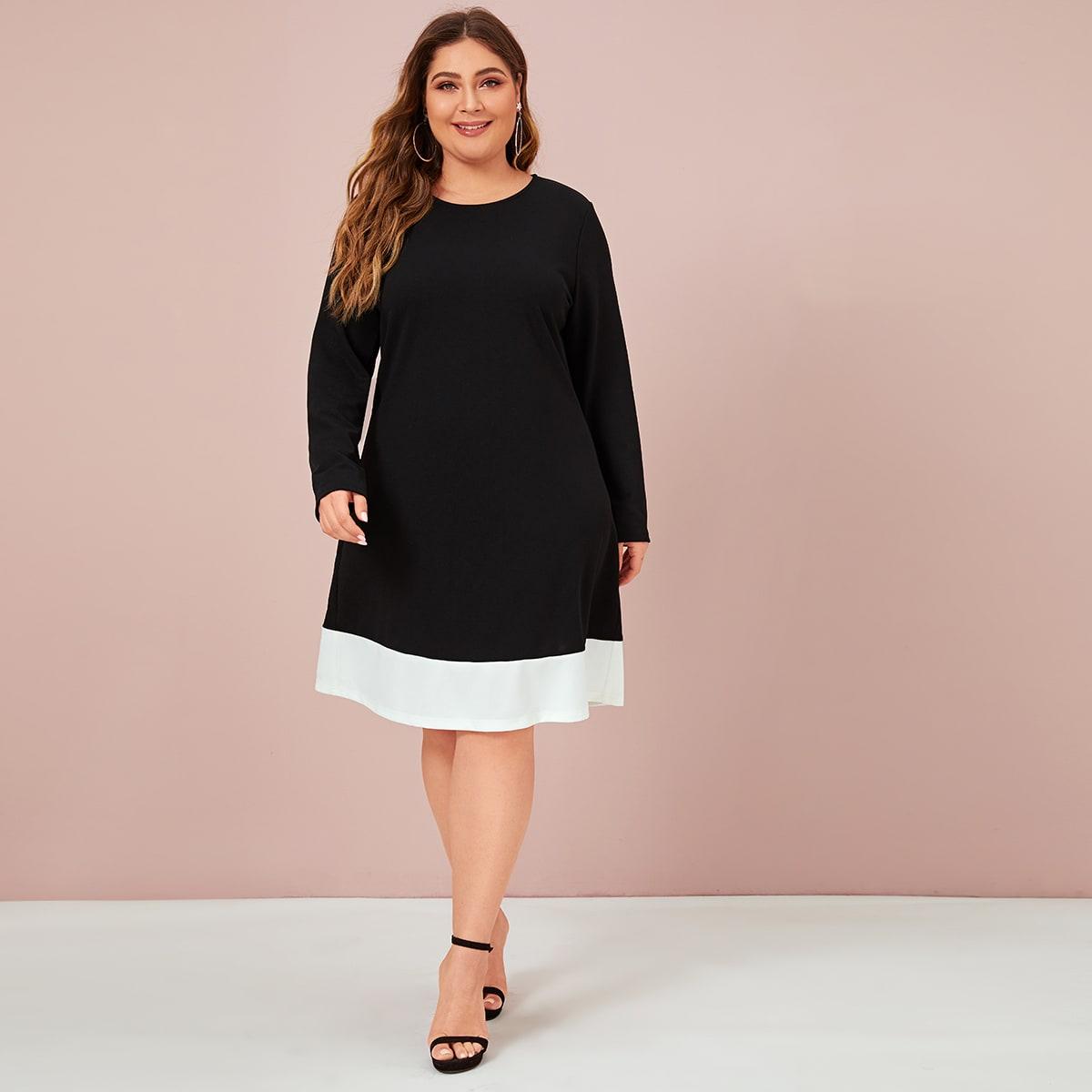 Расклешенное платье с контрастной отделкой размера плюс