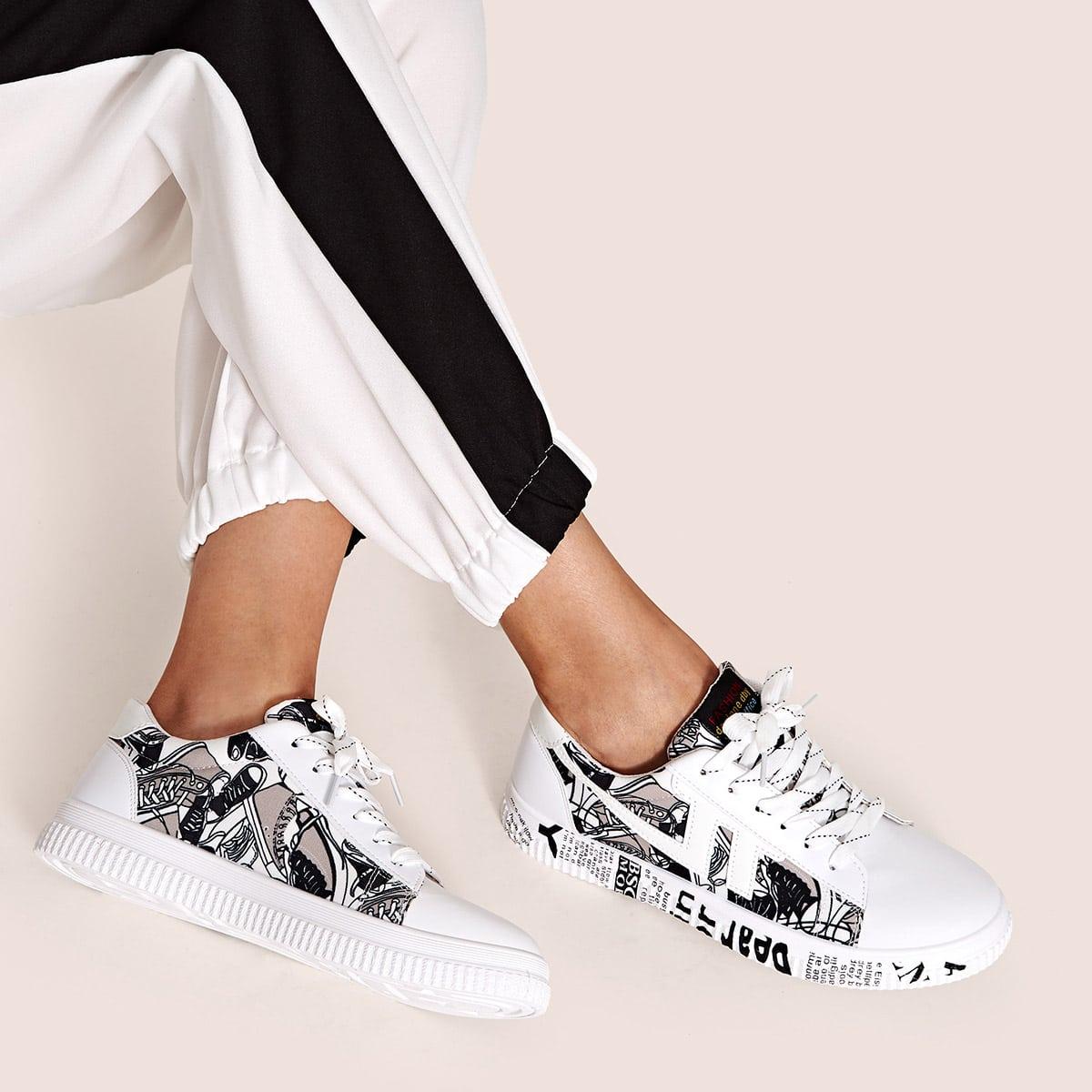 Кроссовки на шнурказ с текстовым принтом от SHEIN
