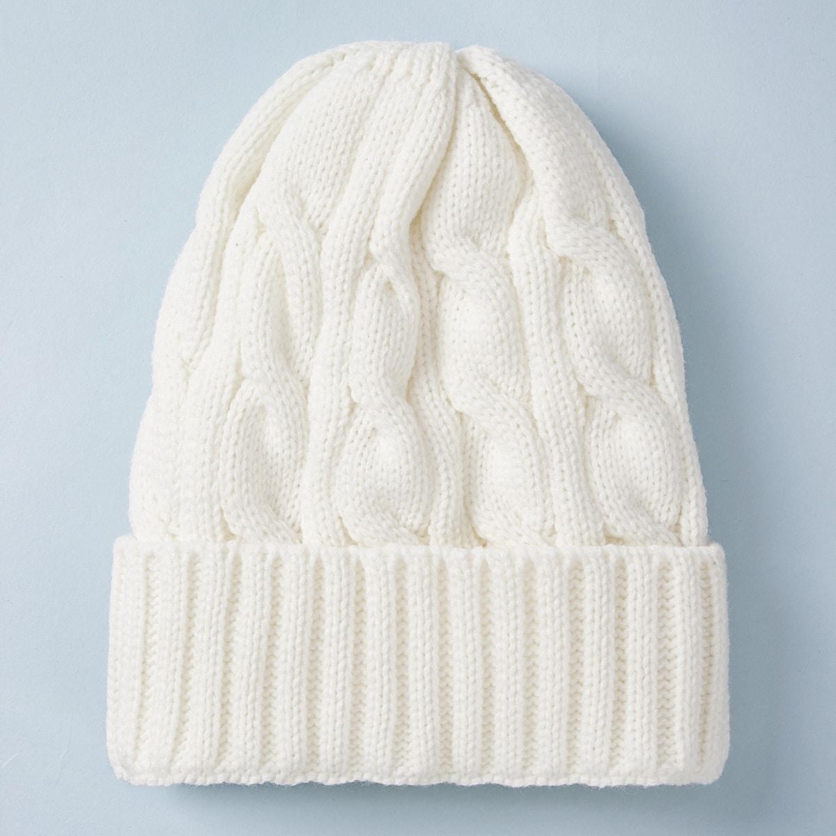 Однотонная шапка от SHEIN