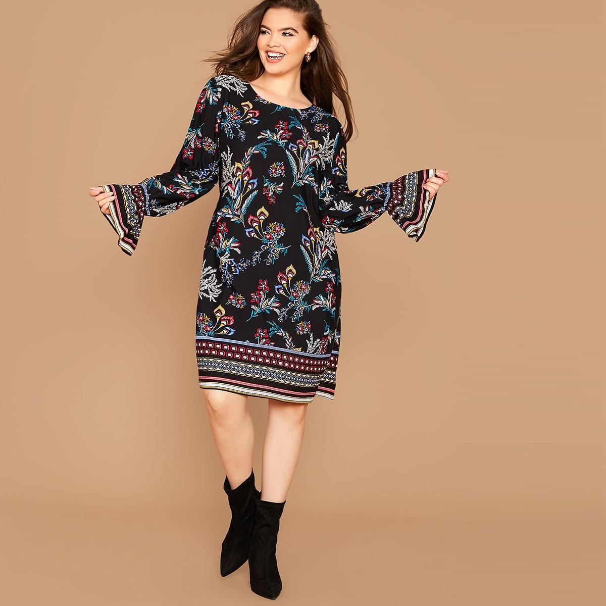 Платье размера плюс со смешанным принтом и оригинальным рукавом