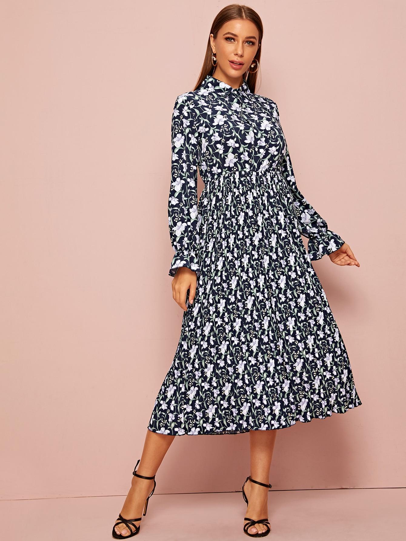 Платье-рубашка с оригинальным рукавом и цветочным принтом