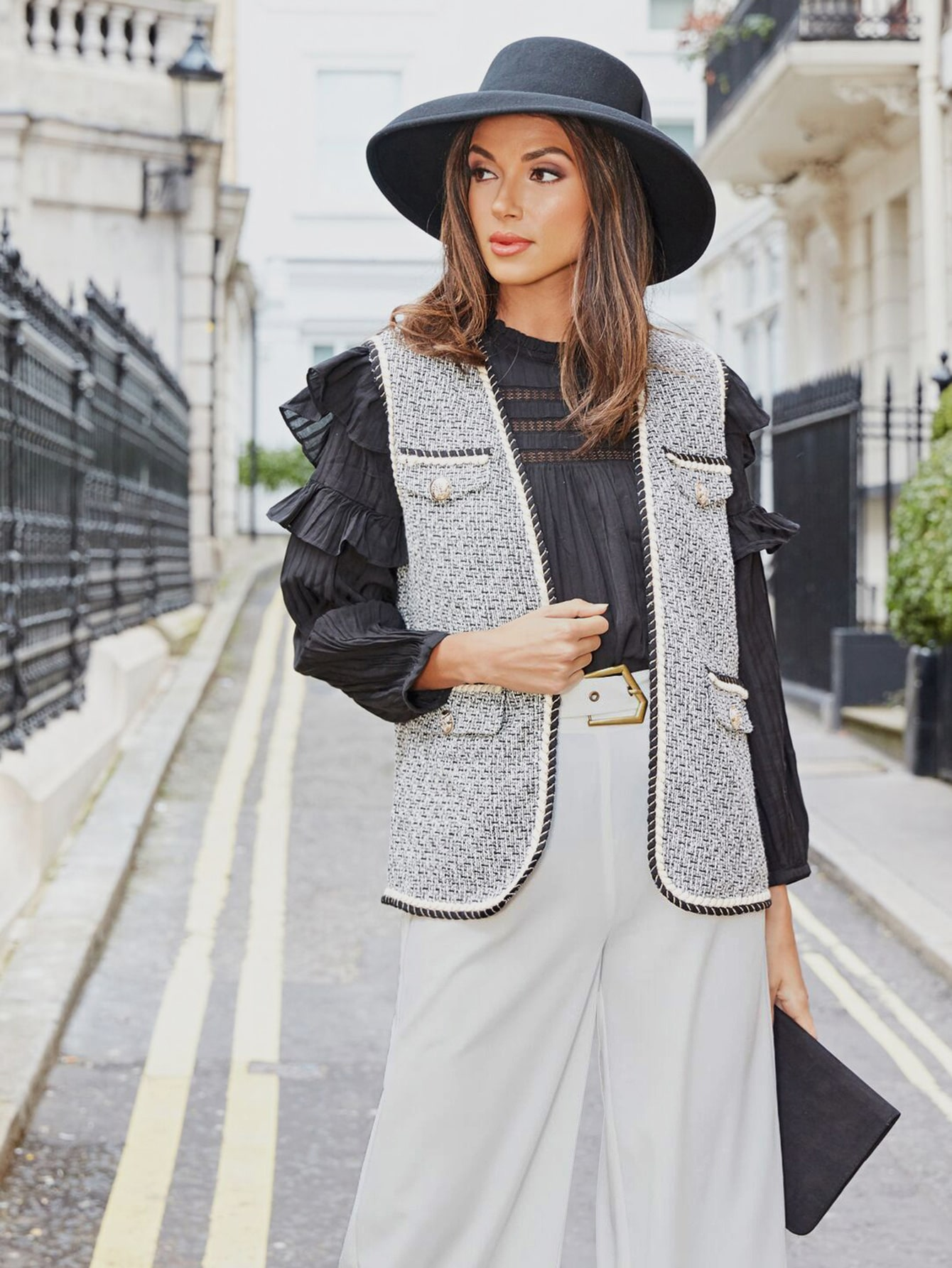 Твидовое пальто-жилет с контрастной отделкой
