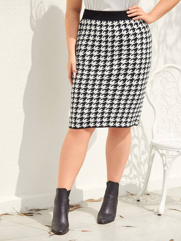 Plus Twot Tone Houndstooth Sweater Skirt, Nora