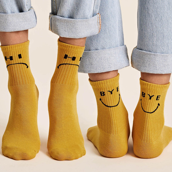 2pairs Letter Graphic Ribbed Socks, Yellow