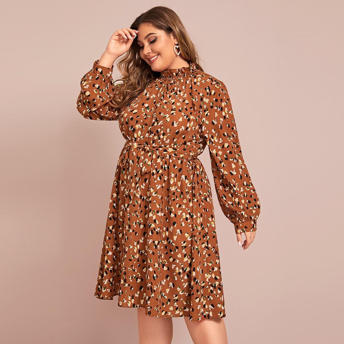 Расклешенное платье размера плюс с оригинальным принтом